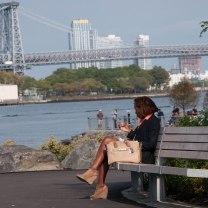 Alleen in Brooklyn Bridge Park